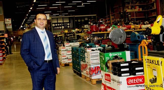 Endüstrinin yapı hipermarketini Adana'da açtı