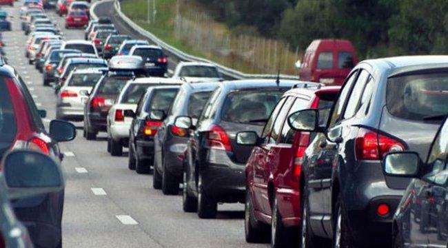 Trafikteki taşıt sayısı 579 bin 276 arttı