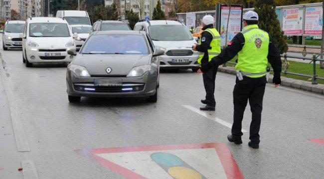 Araç sürücüleri dikkat! Bunu yapana 488 lira ceza kesildi...