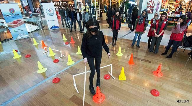 Adana'da görme engelliler empati parkuru