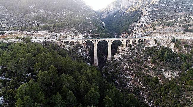 Gösterişli köprüler listesine Adana'dan…