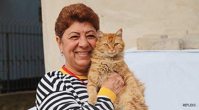 Kediler için sigarayı bıraktı