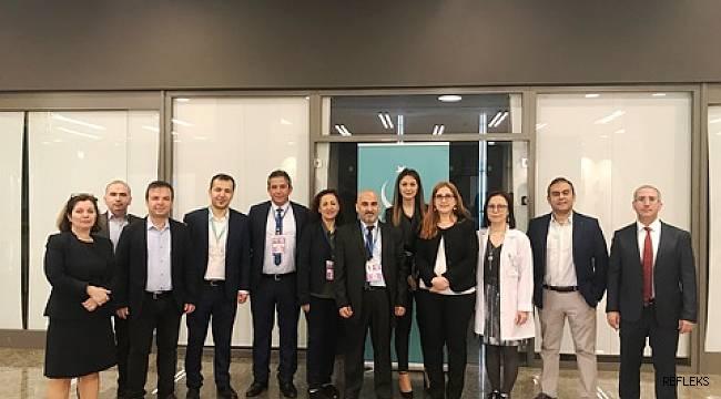 Bağırsakların kronik hastalıkları Adana'da masaya yatırıldı