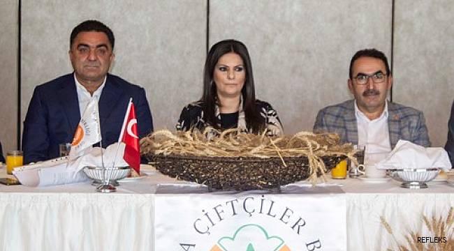 Sarıeroğlu Adana çiftçisiyle buluştu