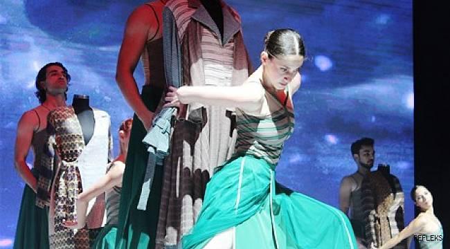 Geleceğin tasarımcıları Türk kumaşının yıldızını parlattı