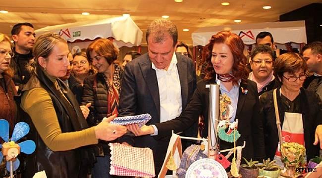 Kadın kooperatifçiler 'Yeni Yıl Alışveriş Köyü' açtı