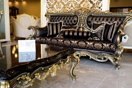 Kral ve prenslerin mobilyaları Adana'dan